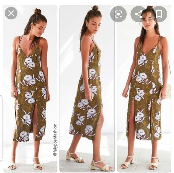 silence + noise Dresses & Skirts - Silence + Noise Floral Gemini Crepe Midi Dress